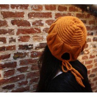 Bonnet femme Modèle Bonnet Golden Leaves de Xiaowei Hu