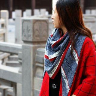 Modèle femme Modèle Châle Witoc par Xiaowei
